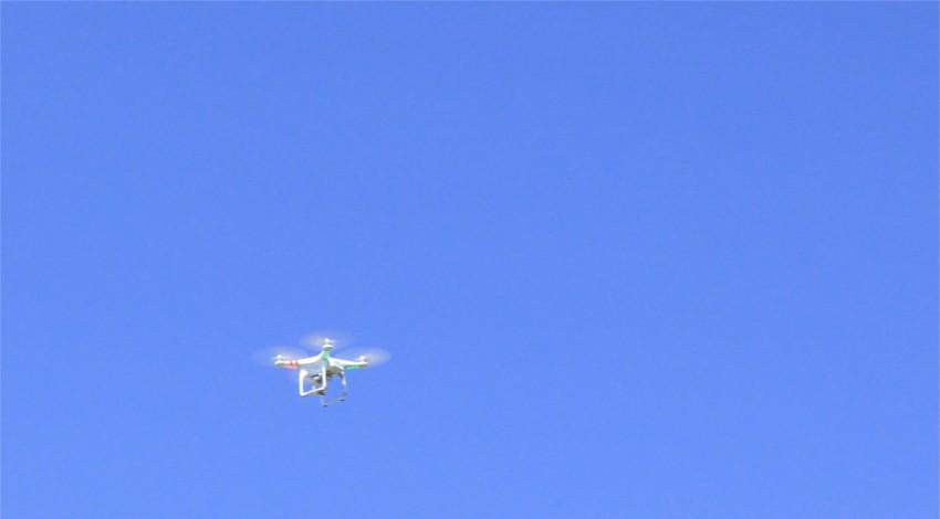 ドローン無人航空機