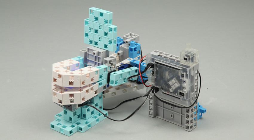 学研エデュケーショナル、アーテックと協業で新しいコンセプトに基づく国産ロボットプログラミング講座を開発