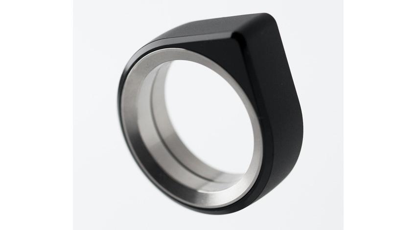 16Lab、指輪型ウェアラブルコンピューティングデバイス新型機を発表