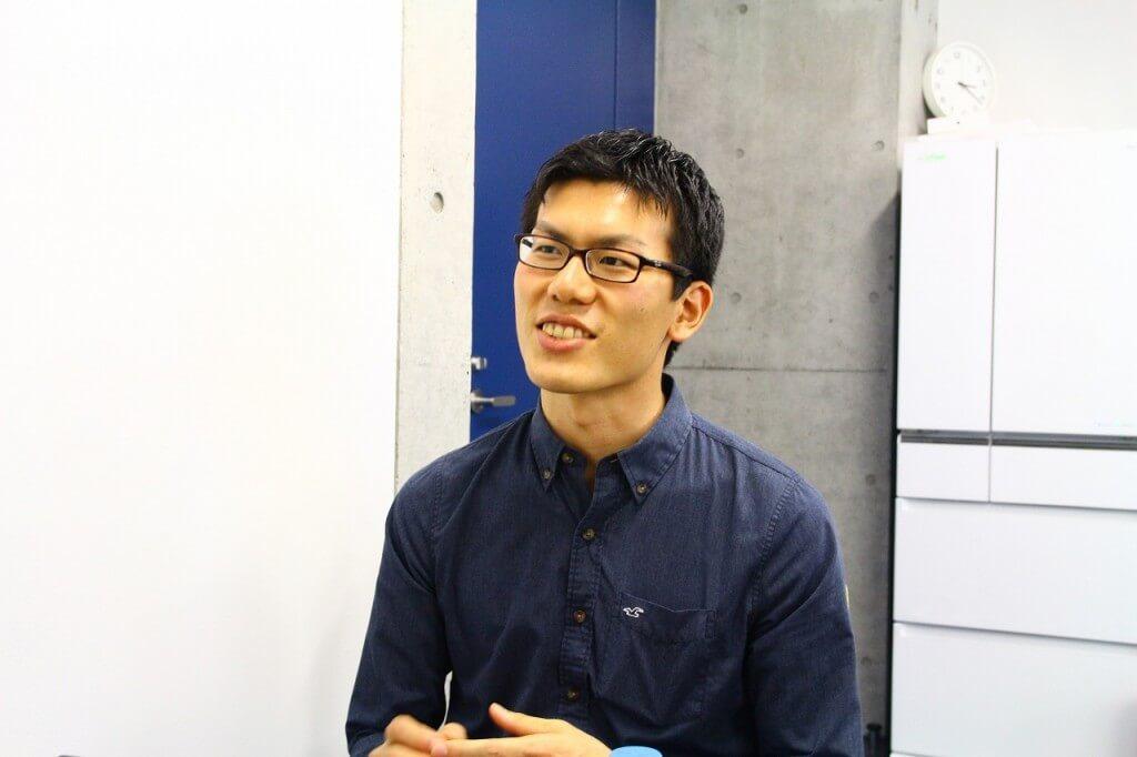 島原 佑基(Yuki Shimahara) / 創業者 代表取締役(CEO) 東京大学大学院修士(生命科学)。大学ではMITで行われる合成生物学の大会iGEMに出場(銅賞)。研究テーマは人工光合成、のちに細胞小器官の画像解析とシミュレーション。グリー株式会社に入社し、事業戦略本部、のちに人事戦略部門に従事。他IT企業では海外事業開発部にて欧米・アジアの各社との業務提携契約等を推進。2014年3月にエルピクセル株式会社創業。現在、「Change the Study!」の理念の元、研究者向け画像解析ソフトウェア・システム開発をはじめ、教育Webメディア運営など幅広く事業を展開している。始動 Next Innovator 2015(経済産業省)。TECH LAB PAAK第2期生(リクルート)。