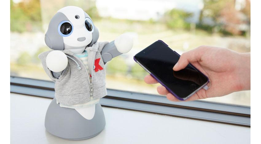 UBICとヴイストン、人工知能により、知識だけでなく、好みや感覚を理解する生活密着型ロボット「Kibiro」を開発