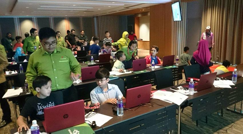 全教研、日本のプログラミング教育をマレーシアに。マハティール元首相が仲介。