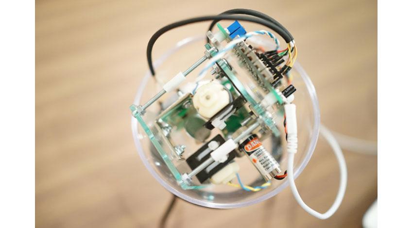 きびだんご、誰でもどこでもレーザービームで遊べる球体ガジェット「Projection Ball(プロジェクションボール)」商品化プロジェクトスタート