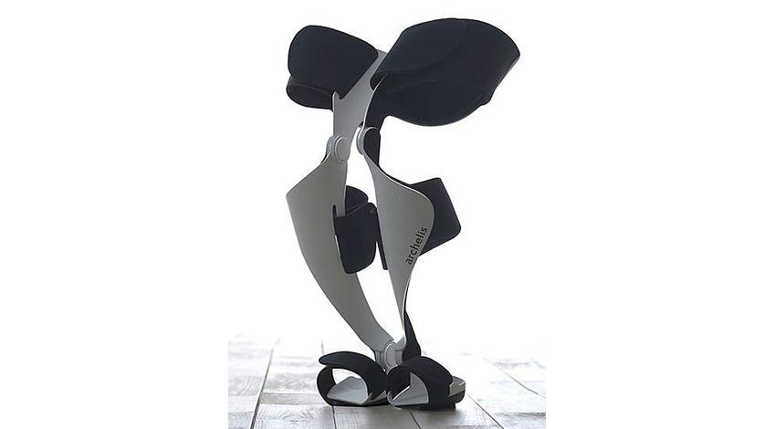 医療用ウェアラブルチェア「歩ける椅子~archelis(アルケリス)~」、共同開発