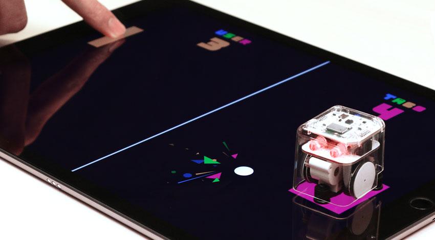 バスキュールとプログレス・テクノロジーズ、iPad Pro専用、スクリーン上でタッチしながら自走するロボット「TABO」を発表