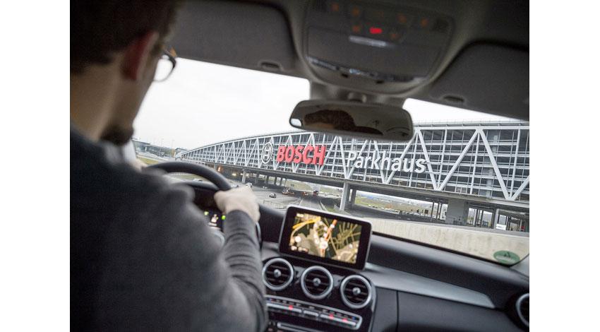 ボッシュ、クルマが自分で駐車スペースを探す「未来の駐車場」に向けた最新動向