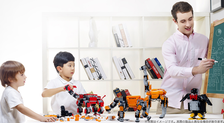 DMM.com、UBTECHのIoTトイ「Jimu Robot」の販売を開始