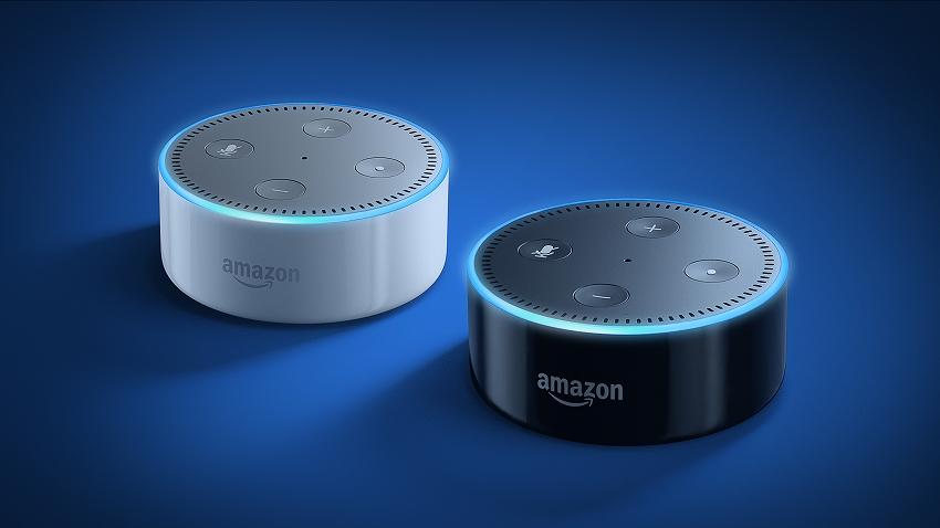 米アマゾン、Alexa搭載「Echo Dot(エコードット)」発売