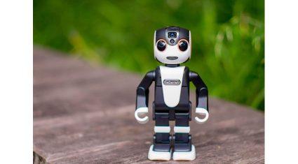 ロボットスタートとシャープ、モバイル型ロボット電話「ロボホン」のアプリデベロッパーに向け「認定開発パートナー制度」など様々な取り組みを開始