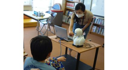 オリィ研究所、分身ロボット「OriHime」による遠隔授業プロジェクトが都内で拡大