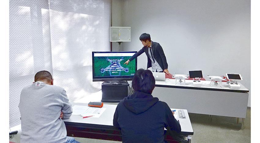 CLUE、ドローンの基礎講習から土木測量などを学ぶカスタマイズ教習トレーニングサービスを提供