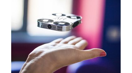 空飛ぶカメラ「AirSelfie」、予約注文を受け付け
