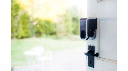 ライナフ、LIXILとIoT活用集合住宅への新サービスを共同研究開発を開始、スマートロック「NinjaLock2」を発表