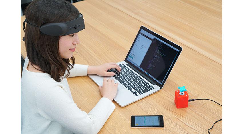 シードルインタラクションデザイン、IoTモーター「Webmo」を脳の活動に基づきモーター制御するBCI/BMI研究スターターキットを販売開始