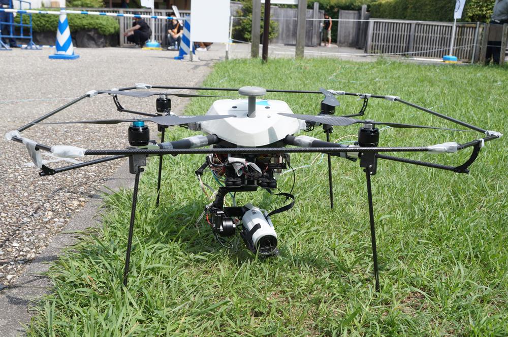 ソニービジネスソリューションとエアロセンス、有線給電方式のドローンを用いたライブ撮影システムを構築