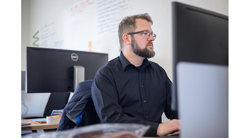 マイクロソフト、聴覚障がいのある学生をAIを活用して支援