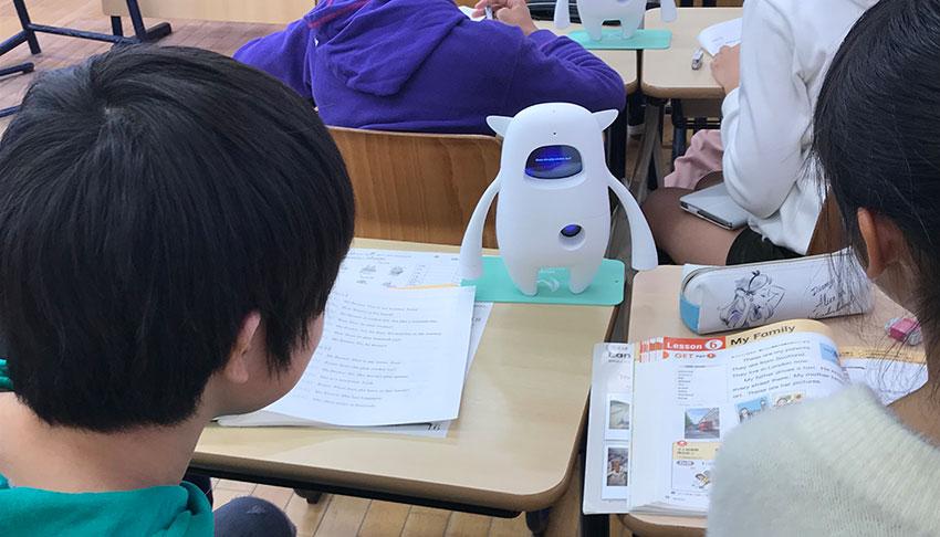"""教育IoT・AI最前線、先生とAIロボット「Musio」が""""協働""""する英語の授業 ―第9回教育ITソリューションEXPO(EDIX)"""