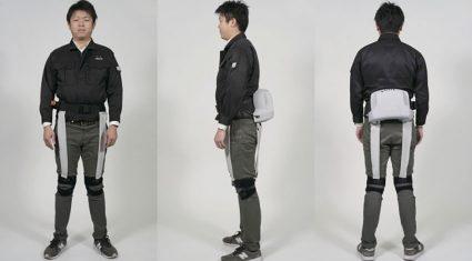 """""""着るロボット""""で高齢者の暮らしを支援、パナソニックとATOUNが開発"""