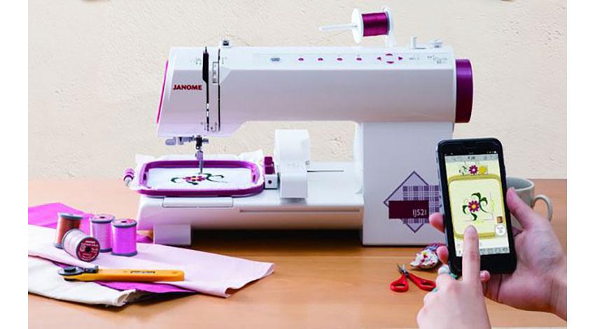 蛇の目ミシン工業、スマホとつながる小型刺しゅう専用ミシンを発売