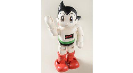 鉄腕アトムモデルの「コミュニケーション・ロボットATOM」誕生