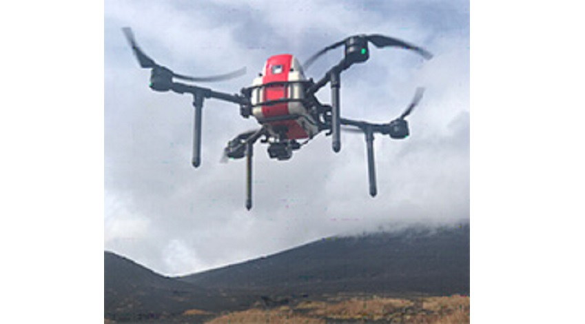 KDDI、富士登山の遭難者救助ドローンシステムの実証実験