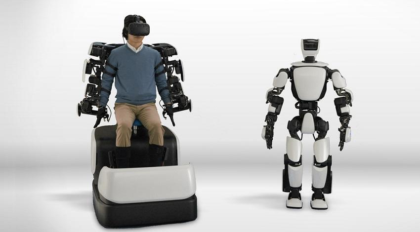 トヨタ、ドコモと5Gを活用したヒューマノイドロボット「T-HR3」の遠隔制御