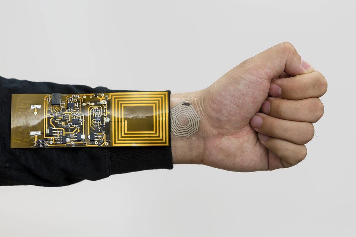 スタンフォード大学がステッカー型の無線センサー「BodyNet」を開発