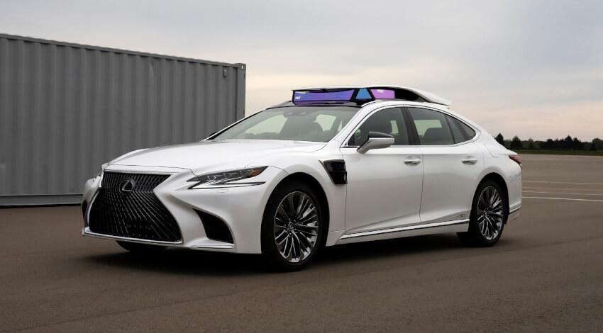 トヨタ、自動運転レベル4実験車の同乗試乗をお台場で実施