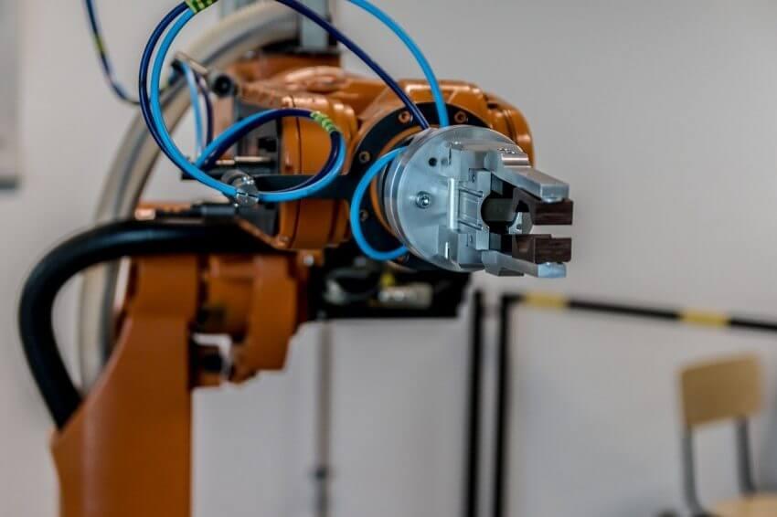 産業用ロボットに高まる期待