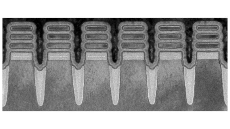 IBM、2nmプロセスを用いた半導体チップを開発