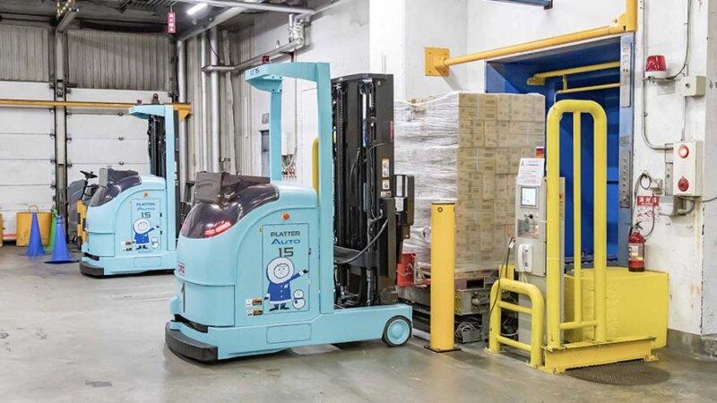 三菱重工他2社、搬送計画が立てられる冷凍冷蔵倉庫型レーザー誘導方式無人フォークリフトを共同開発