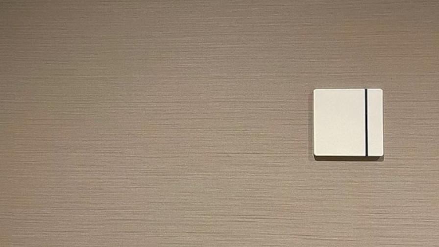 Crossdoor、埋込型スマートリモコン「Crossdoor square」を販売開始