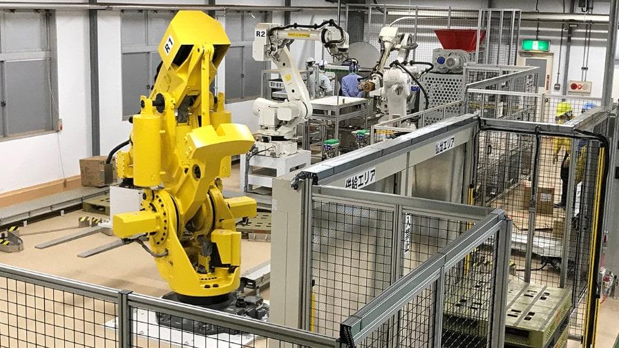 キリンビバレッジ、ロボットを用いた茶葉原料開梱・投入自動化設備を工場に導入